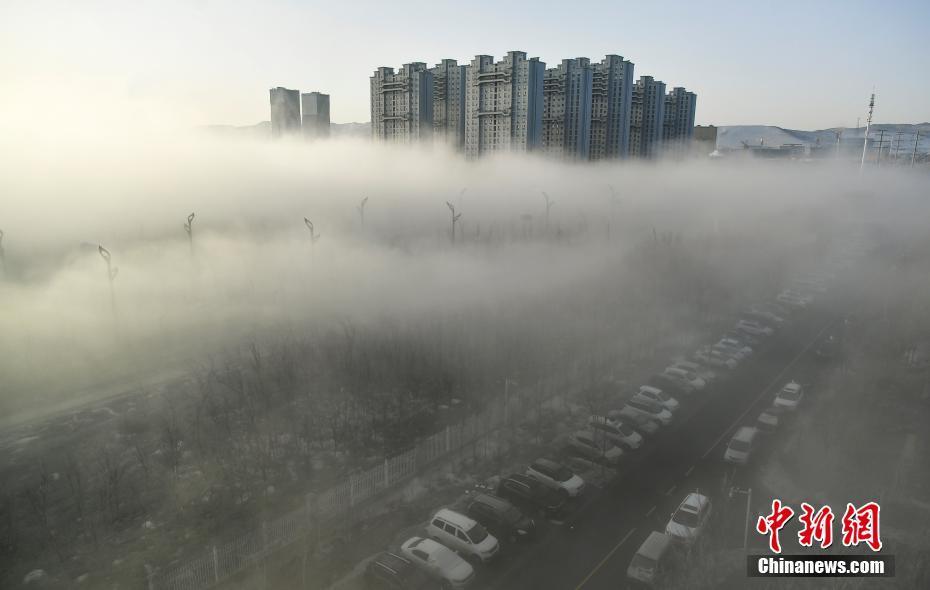 """高楼""""藏身""""迷雾中 远观仿若""""海市蜃楼"""""""